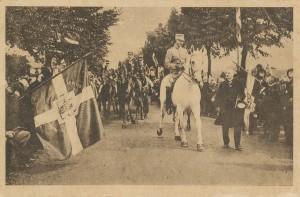 Christian 10. rider over den gamle grænse ved genforeningen i 1920 Postkort. Museum Sønderjylland - Sønderborg Slot